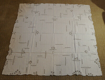 Vintage Linen Tablecloth Set Hand Embroidered & Cutwork w/  Napkins 50 x 52