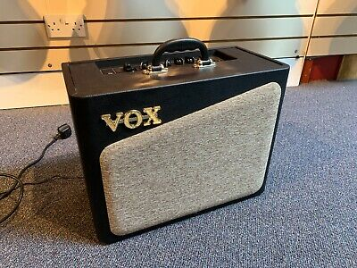 Vox AV15 Digital Guitar Amplifier 15w