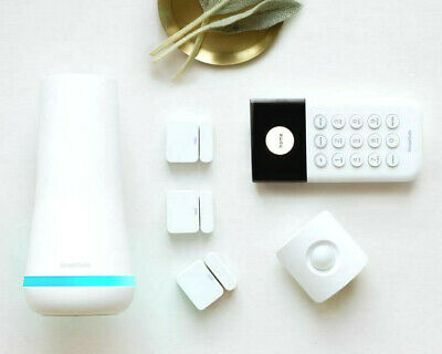 SimpliSafe The Essentials Security System  6 Pieces + Free Camera - NEW