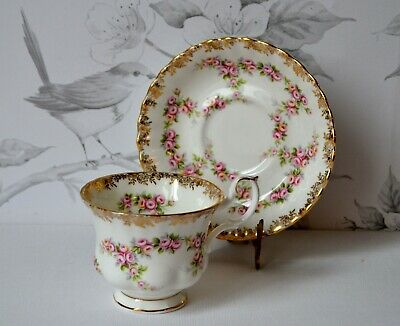 DIMITY ROSE - TEA CUP TEACUP SAUCER SET, Royal Albert, bone china, England