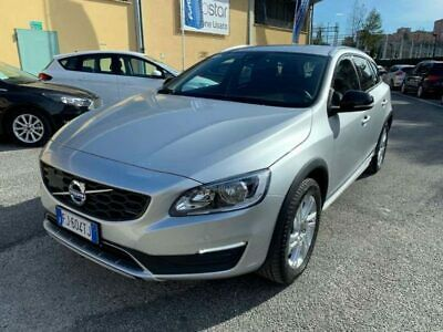 Volvo v60 cross country 2.0 d3 momentum geartronic
