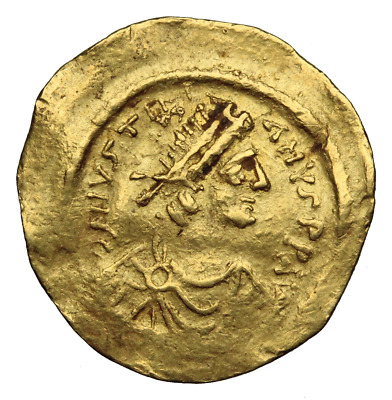 Justinian I. Gold Tremissis, AD 527-565. Constantinople. Victory
