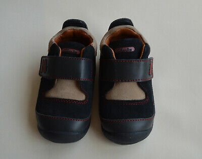 New Clarks First Steps Shoes Unisex  Size 4 E+