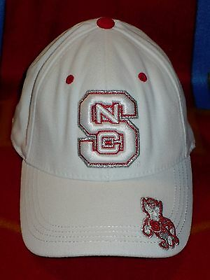 best service e1f25 7792d NC State ~ Top Of The World ~ NCAA Trapped One FIit Hat   Cap WOLFPACK