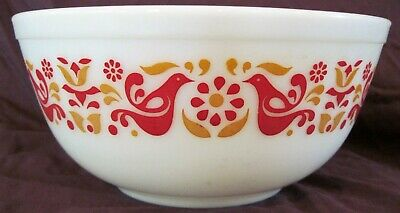 Vintage Pyrex Friendship Birds Nesting Mixing Bowl white red 2 1/2 qt