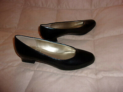 NWOB SOFT STYLE BY HUSH PUPPIES WOMEN/'S ALESIA LOW HEEL PUMPS NEW SHOES!!