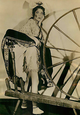 Loretta Young Hollywood 1931 Copyright Trampus