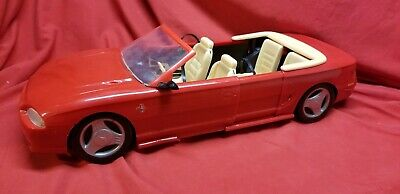 Mattel Barbie Ford Mustang Convertible Magically EXPANDS From 2-to-4 Seater 1994