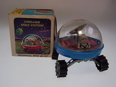 "GSR ROBOT ""STROLLING SPACE STATION"" YONE ,10cm, UHRWERK/WIND UP, NEW/NEU/NEUF"