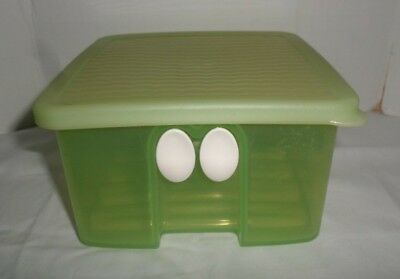 Tupperware FridgeSmart Small Container With Lid Green #3993