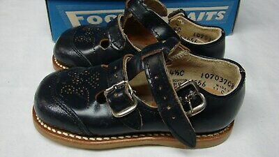 OLD STOCK VINTAGE LITTLE GIRL'S MARY JANES LEATHER SANDALS size 4 1/2 C