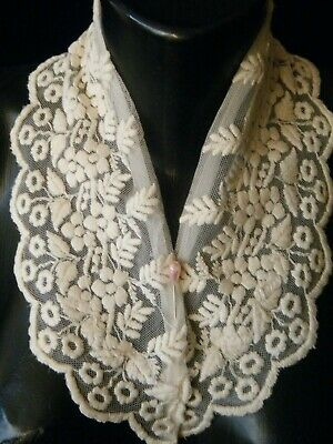 Old Vtg Mesh lace Collar lavishly 3d raise embroidery hand done Europe