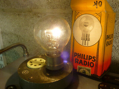 1 triode Philips Onyx filament OK heating tested OK, older radio tube boxed