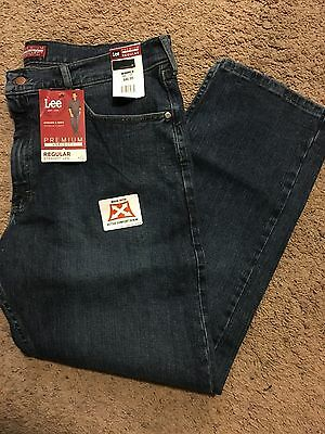 NWT MENS Lee Jeans Size 32x30 Premium Select Regular Fit MSRP $48.00 2001932