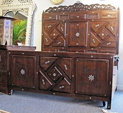 Original Syrian hand-caved and inlaid queen Bed with Mother of pearl!