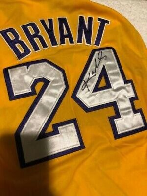 fe306bd2f36 5X NBA Champ Kobe Bryant signed Los Angeles Lakers XL Jersey with COA!