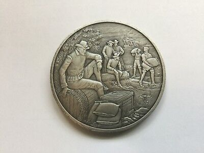 Solid Pewter Medallion THE OFFICIAL HISTORY OF COLONIAL AMERICA COLLECTION