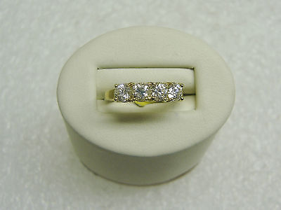 14K Yellow Gold Ring With 4 Round Cubic Zirconia Size 6 1/4 Ng33-D