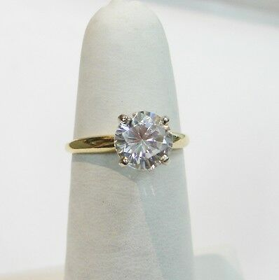 Sparkling 14K Yellow Gold Round Cubic Zirconia Solitaire Ring Size 6 1/2 N279-P