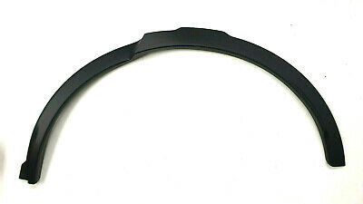 Genuine Land Rover Disco 5 LH Rear Wheel Arch Moulding - LR076036