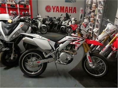 New hm crm 125 4t derapage red - 2016