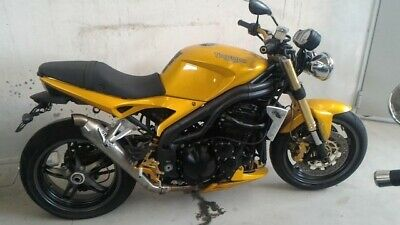 TRIUMPH Speed Triple 1050 www.actionbike.it