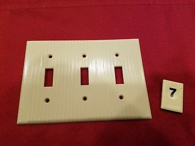 1 Vtg Leviton Deco 3 Gang 3 Triple Switch Wall Plate Cover Ribbed Bakelite - B7