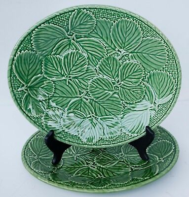 Bordallo Pinheiro Set 2 STRAWBERRY OVAL PLATES Green Majolica Portugal 11 1/4""
