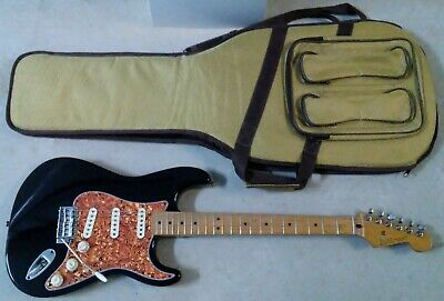 1999 FENDER STRATOCASTER Electric Guitar in Black Made in Mexico MIM