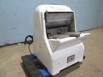 """""""Oliver 797"""" Heavy Duty Commercial Counter Top ¼Hp ½"""" Bread Slicer Machine"""