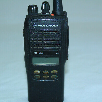 MOTOROLA HT1250 VHF Two Way Radio 136-174 MHz 128Ch MDC