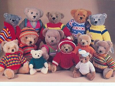Teddy Bears Group Of By Steiff In Homemade Sweaters Postcard (Tb15*)