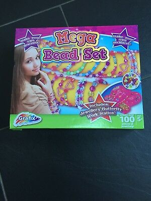 GRAFIX MEGA BEAD SET includes work station AGE 5 +