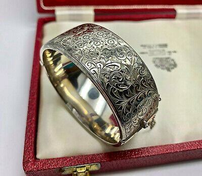 VINTAGE JEWELLERY STERLING SILVER ETCHED BANGLE (Smith & Pepper 1950s)