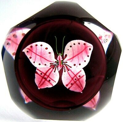 Briefbeschwerer / Paperweight CAITHNESS GLASS Red Butterfly 1995, facettiert!