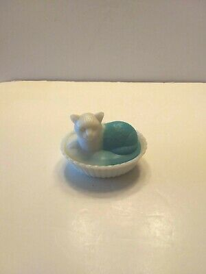 Westmoreland White and Blue Milk Glass CT-2 Cat on Vertical Base  Animal Dish