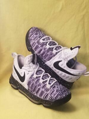 2f9ba9304094c YOUTH BOYS NIKE Zoom Lebron Witness Basketball Shoes. Size 5Y. Great ...