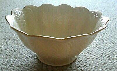Lenox Scalloped Footed Serving  Bowl Hand Decorated with 24-K Gold Trim 10 x  5""