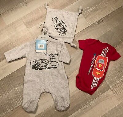 9d283f2777be6 DISNEY 1 MOIS GARCON   Lot BABYGROS PYJAMA VELOURS + DOUDOU CARS NEUF + Body