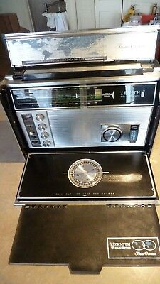 Vintage Zenith Trans-Oceanic Royal D-7000Y 11-Band Solid Sate Radio USA made