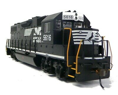 HO Scale Model Railroad Trains Layout Engine Norfolk Southern GP-38 Locomotive