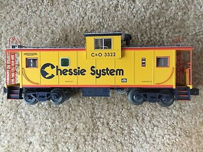 LIONEL TRAIN #27601 Milwaukee Road Extended Vision Caboose