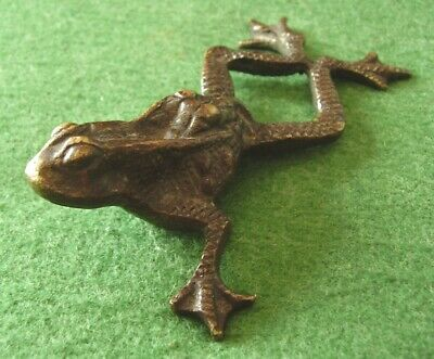 ANTIQUE BRONZE TOAD FROG CHINESE CHARMING DESK TOP STATUE circa 1900
