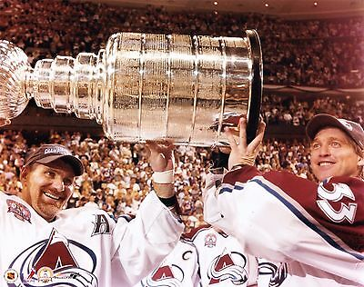 Ray Bourgue - Patrick Roy Unsigned 8x10 Photo Colorado Avalanche (1)