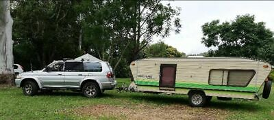 Caravan Prattling Low Tow