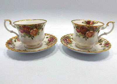 Royal Albert England Old Country Roses 2 Tea Cups & Saucers