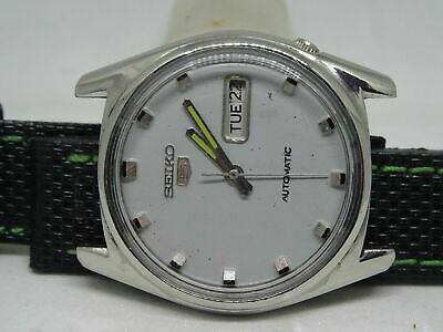 *vintage Seiko 5 Day&date Automatic Gray Color Dial Silver Figure Man's Watch