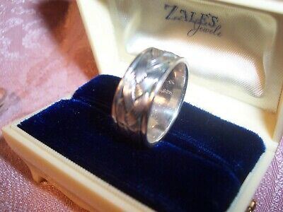 Ladies Sterling Silver Band ~Size 7.5  Stamped .925