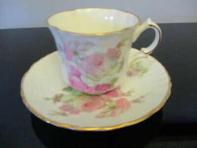 Vintage English Oakley China Fine Bone China Bouquet Roses Gold Tea Cup Saucer!