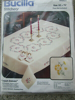 """Vtg Bucilla FRESH DAISIES Stamped Tablecloth Embroidery Kit 495621 / 52x70"""" MIP"""